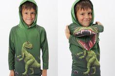 """Raptor Hoodie Shirt. Mouthman.com realizza felpe """"animate"""" per bambini, come Raptor Hoodie Shirt: incrociate le braccia e il dinosauro si trasforma! Potete acquistarle su mouthman.com."""