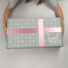 Its only 149 days to Christmas and we have just launched our ultimate crafters Christmas box! There's everything from weaving, macrame, knitting, crochet and needle felting projects! Advent Calendar Boxes, Chocolate Advent Calendar, Advent Calendars, Giant Knitting, Knitting Kits, Knitting Needles, Christmas Gift Guide, Christmas Crafts, Xmas