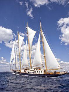 The Race   Spetses Classic Yacht Race