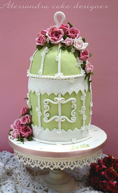 Cage birds Cake by Alessandra Cake Designer, via Beautiful Wedding Cakes, Gorgeous Cakes, Pretty Cakes, Amazing Cakes, Cupcakes, Cupcake Cakes, Bird Cage Cake, Spring Cake, Cake Shapes