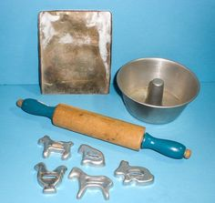 CHILD'S OLD TOY KITCHEN BAKING PANS PLAY COOKIE CUTTERS BLUE ROLLING PIN 8 PCS #Unknown