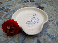 Ceramic Spoon Rest with Dahlia Carving in Cream and Periwinkle