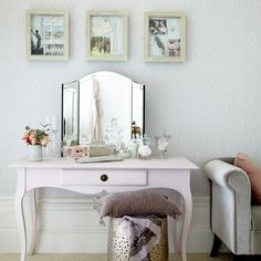 Rebeka's Beauty World: Inspiration: makeup table / vanity / dressing table. I love the shape of this table. need one like it.