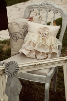 Whimsy - Pretty pillow with lace ruffles