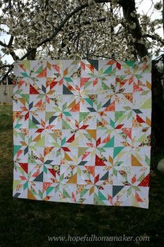 scrappy hunters star quilt tutorial - I'd do this in a 2 color quilt