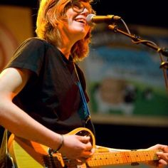 Brett Dennen - one of my most favorite quirky artists. LOVE his voice!