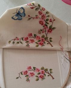9 Tips for knitting – By Zazok Cross Stitch Rose, Cross Stitch Flowers, Cross Stitch Embroidery, Hand Embroidery, Vintage Embroidery, Embroidery Patterns, Knitting Patterns, Cross Stitch Designs, Cross Stitch Patterns