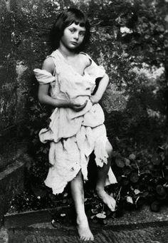 "vintage everyday: Meet the Real Alice of ""Alice's Adventures in Wonderland"""