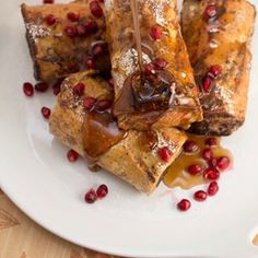 Have you ever made pain perdu? This stuffed French toast Baked Bean Recipes, Rice Recipes, Mediterranean Rice Recipe, Vietnamese Fresh Spring Rolls, Coconut Jelly, Duck Sauce, Butter Rice, Hoisin Sauce, Dried Beans