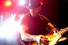 See Social Distortion pictures, photo shoots, and listen online to the latest music. Mike Ness, Johnny Cash, Rockabilly, Social Distortion, Live Band, Latest Music, Nursery Rhymes, Punk Rock, Pin Up