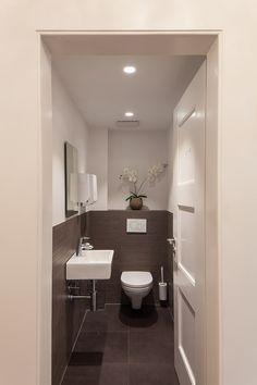 Gäste Wc Fliesen Ideen gäste wc teilgefliest mit grauen fliesen in betonoptik und
