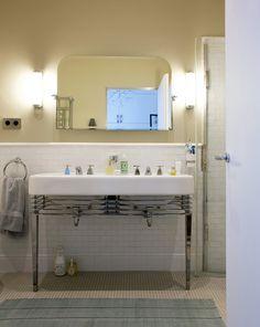 Liza, Paris 9ème - Inside Closet Devon Devon, Dream Bathrooms, Sweet Home, Bathtub, Art Deco, Paris, Interior Design, Closet, Inspiration
