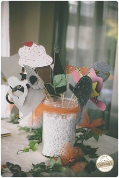 Those diy photo booth props are super cute! Ph Adriano Mazzocchetti http://www.brideinitaly.com/2014/02/mazzocchetti-teramo.html #italianstyle #wedding