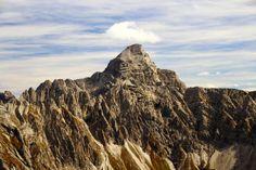 Hochvogel Allgäu mountain peak summit alps  Link zur Tour:   http://www.outdooractive.com/de/bergtour/allgaeu/von-oberstdorf-nach-tannheim-quer-durch-das-allgaeu/100635259/#axzz28gMDslDw