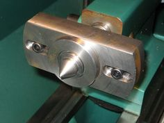 Offset tailstock center