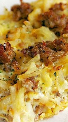 Sausage Hash Brown Breakfast Casserole ~ It can be made ahead of time and refrig. - Sausage Hash Brown Breakfast Casserole ~ It can be made ahead of time and refrigerated until you ar - Breakfast And Brunch, Breakfast Items, Breakfast Dishes, Breakfast Burritos, Breakfast Hash Browns, Breakfast Bake, Chicken Breakfast, Good Breakfast Ideas, Frozen Breakfast