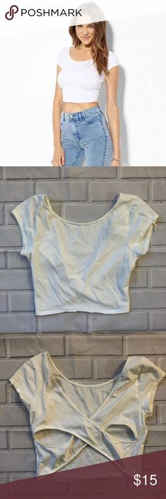 {AEO} Cropped Crossback T Shirt White crop from AE in size M  🌿Adorable crossback detail 🌿Excellent used condition  Be sure to check my closet for more AEO and other great brands! American Eagle Outfitters Tops Crop Tops