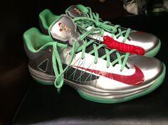 Nike Hyperdunk 2012 Low Christmas  Nice christmas present!