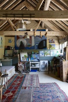 Jacqueline Rufus-Isaacs has converted an old stable block in to a ravishing studio.
