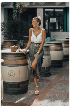 Date Outfit Casual, Casual Summer Outfits, Spring Outfits, Midi Skirt Outfit Casual, Skirt Outfits, Look Fashion, Fashion Outfits, Womens Fashion, Woman Outfits