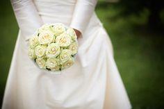 Brautstrauß mit weißen Rosen- bouquet with white roses