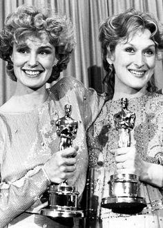 1982 - Jessica Lange, Mejor Actriz de Reparto y Meryl Streep, Mejor Actriz, en la 55th ceremonia.