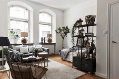 #styling #homestyling #vardagsrum #livingroom  Etta med hög takhöjd | Move2