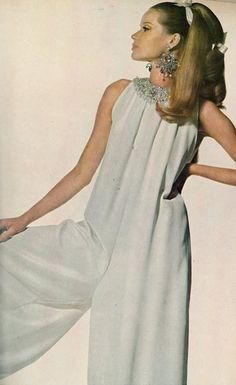 Veruschka, US Vogue 1966