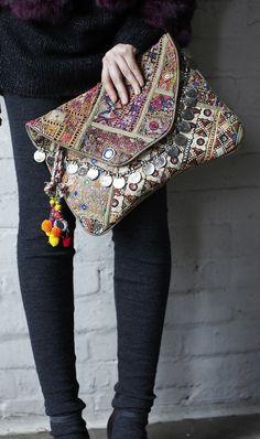 Antik Batik embellished oversized clutch bag, love the coin detail.I loveeee things like this. Hippie Elegante, Estilo Hippie Chic, Cute Fashion, Fashion Bags, Boho Fashion, Leather Fashion, Fashion Dresses, Boho Gypsy, Hippie Boho