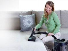 Выбираем для дома правильно пылесос. Часть первая  Пылесос – верный помощник любой домохозяйки. Этот бытовой прибор помогает быстро и качественно навести порядок в помещении, способен даже произвести его влажную уборку. Да, именно так, ведь прогресс не стоит на месте, наряду с обычными пылесосами, всасывающие пыль и мусор, уже давно появились моющие модели и даже роботизированные варианты.