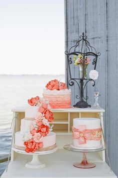 Lovely coral cake display // by the lake Coral Wedding Cakes, Coral Cake, Wedding Sweets, Wedding Colors, Orange Weddings, Pretty Cakes, Beautiful Cakes, Our Wedding, Dream Wedding