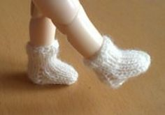 Ravelry: Socks Pukifee or Lati-Yellow pattern by Anna Waites