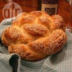 Challah rápido (pão judaico) @ allrecipes.com.br - Pão judaico numa versão mais doce e rápida do que a tradicional. Perfeito para as comemorações judaicas.