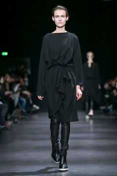 A look from the Ann Demeulemeester Fall 2014 RTW collection.