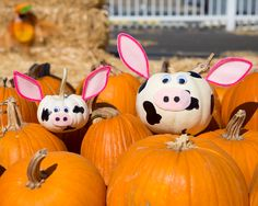 Pumpkin carving or pumpkin crafting? We prefer the latter.