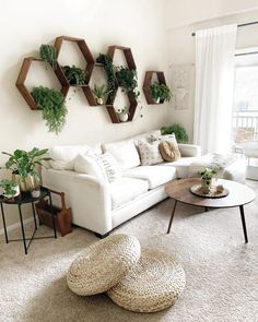 Find out Where to Buy Every Single Thing in This Plant-Filled Bohemian Living Room &; Jeder von uns h&; Find out Where to Buy Every Single Thing in This Plant-Filled Bohemian Living Room &; Jeder von uns h&; Boho Living Room, Living Room Chairs, Living Room Interior, Dining Room, Living Room With Carpet, Simple Living Room Decor, Living Room Decorations, Living Room Decor With Plants, Living Room Wall Designs