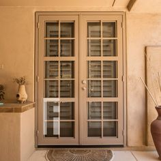 Clear View Bolzano Iron Security Door by First Impression Ironworks provides security and beauty to your home. Patio Doors, Entry Doors, Front Entry, Curb Appeal Porch, Steel Security Doors, Iron Doors, Southwestern Style, Front Door Decor