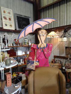 La Petit Vintage Warehouse, an extension of Vintage Warehouse, offers shabby chic, primitive, cottage and even modern decor. #Lakeland