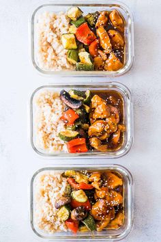 Tasty Teriyaki Chicken Stir-Fry Meal Prep Lunch Boxes are the easiest way to make sure you are ready for for the week ahead. Served with brown rice and grilled vegetables, it's a balanced meal! Winner, winner, chicken dinner (or lunch). Stir Fry Meal Prep, Easy Meal Prep, Healthy Meal Prep, Easy Meals, Budget Meal Prep, Eating Healthy, Meal Preparation, Clean Eating Recipes, Lunch Recipes
