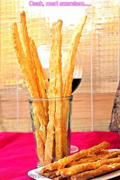 sajtos ropogós Healthy Snacks, Cereal, Food And Drink, Cookies, Breakfast, Ethnic Recipes, Health Snacks, Crack Crackers, Morning Coffee