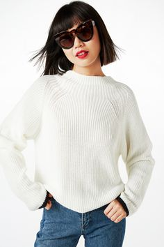 NEW!High neck knitted top