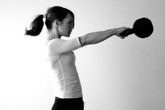 Kettlebells exercises are effective as they work your core and burns fat! I personally find crunches boring and I feel a lot of stress on my back when I do them. I began doing kettlebell exercise… Kettlebell Benefits, Kettlebell Training, Kettlebell Swings, Kettlebell Challenge, Aerobics, Sport, Get In Shape, Healthy Weight Loss, Stay Fit