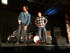 Boys lookin' good! RT @dragonlit  J2 in the house #TorCon