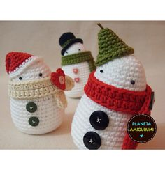 Crochet snowmen - no pattern but these might be easy
