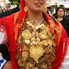 Traditional Minho dress with gold representing family heirlooms # Viana do Castelo # Portugal Traditional Fashion, Traditional Dresses, Folk Costume, Costumes, Portugal Vacation, Portuguese Culture, Visit Portugal, People Around The World, Beautiful People