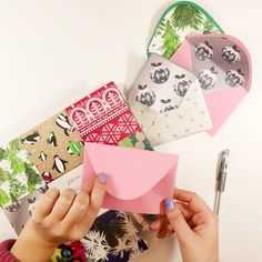 How to make your envelope a little bit extra this Christmas DIY Envelope, , Mail Art Envelopes, Cute Envelopes, Handmade Envelopes, Decorated Envelopes, Diy Cards And Envelopes, Diy Envelope Template, Envelope Art, Gift Envelope, How To Make An Envelope