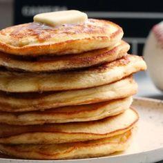 Baconszeletekbe göngyölt töltött csirkemell | Nosalty Tapas, Pancakes, Bacon, Breakfast, Recipes, Food, Red Peppers, Morning Coffee, Eten