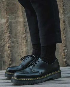 Doc Martens Oxfords, Dr Martens Outfit, Dr. Martens, Dr Martens 1461, Doc Martens Style, Doc Martens Low, Hipster Grunge, Grunge Goth, Oxford Outfit