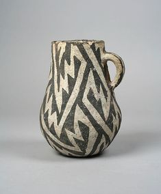 Jug, 12th–18th century, United States, Arizona - Culture: Ancestral Pueblo (Anasazi) - Ceramic, slip, pigment
