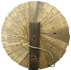 Wish I knew how the circular read works, language-wise. Beautiful object, regardless.